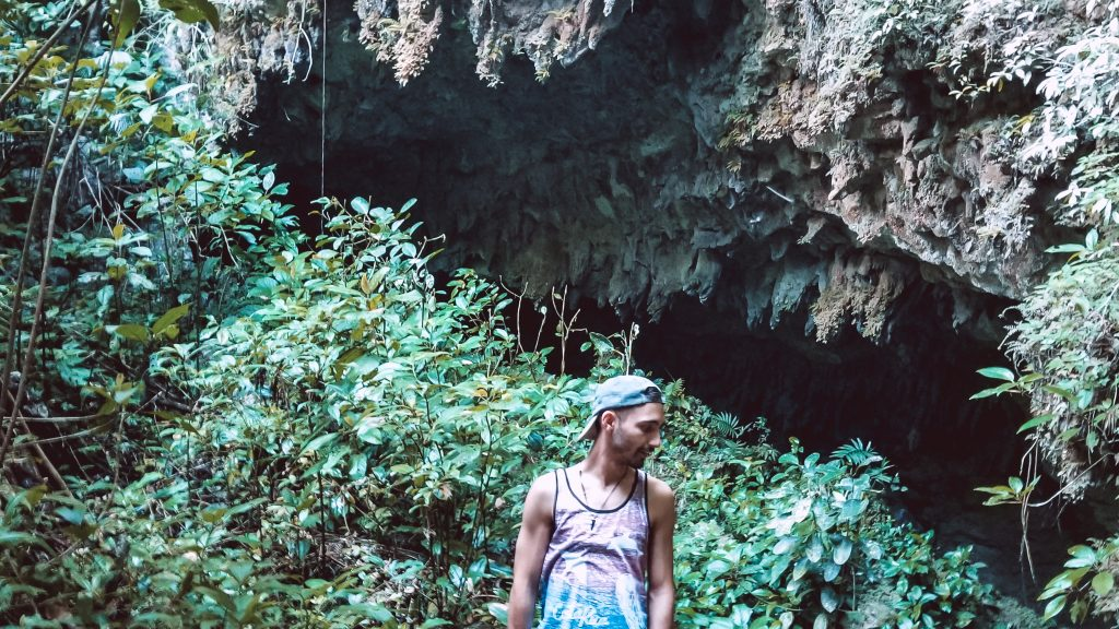 drift-inn-guest-explores-caves-in-belize