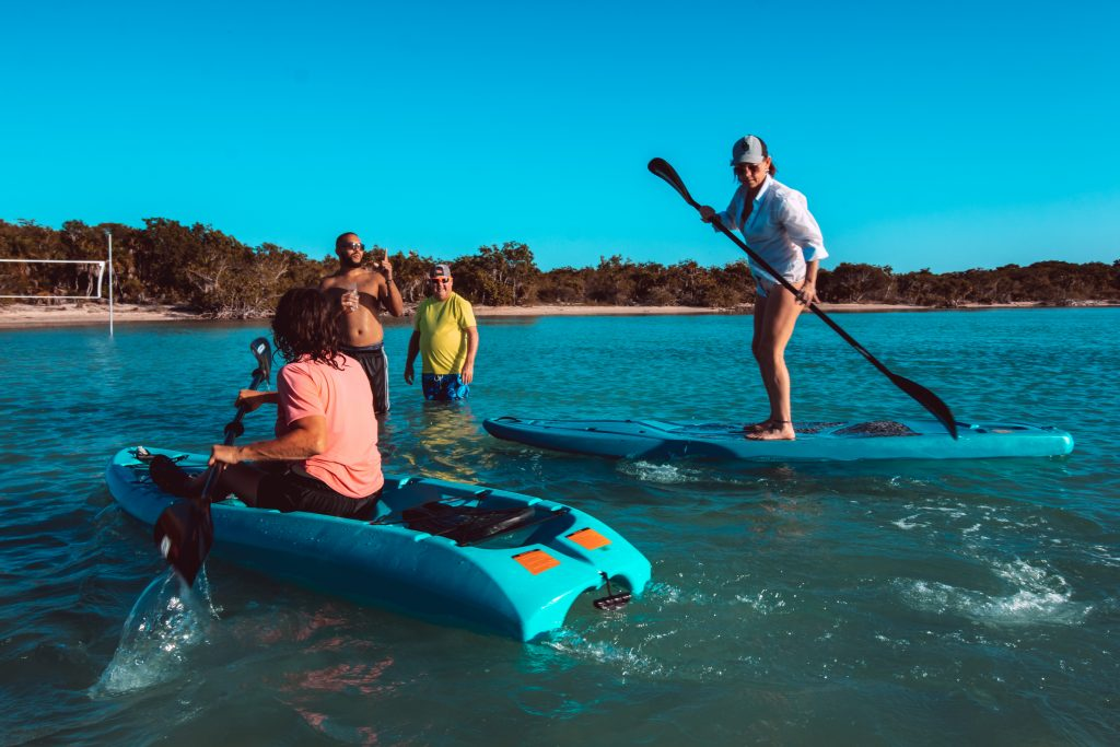 san-pedro-belize-guest-paddleboards-kayaks